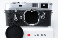 <img class='new_mark_img1' src='https://img.shop-pro.jp/img/new/icons15.gif' style='border:none;display:inline;margin:0px;padding:0px;width:auto;' />Leica ライカ M4 中期 121万台 1968年 おまけつき