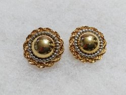 Gold Round Pierced Earring