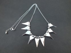 Sharp-Pointed Necklace