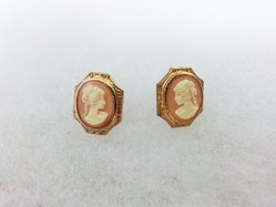 Cameo Pierced Earring