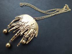 Gold Droopy Necklace