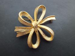 Monet・Gold Ribbon Broach