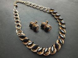 Brack Necklace+Earring Set
