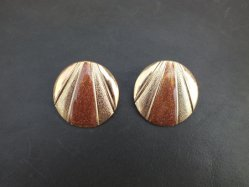 Round Brown Pierced Earring