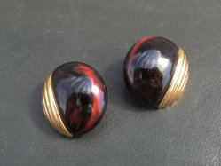 1980s Round Brown Pierced Earring