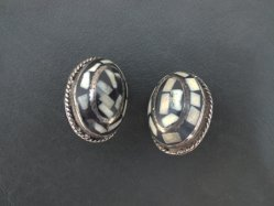 Ivory×Black Oval Earring