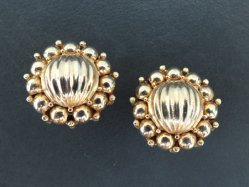 Gold Round Earring