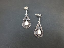 Sterling Silver+White Parts Pierced Earring