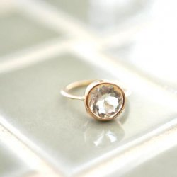 <img class='new_mark_img1' src='https://img.shop-pro.jp/img/new/icons18.gif' style='border:none;display:inline;margin:0px;padding:0px;width:auto;' />Green amethyst  round anello