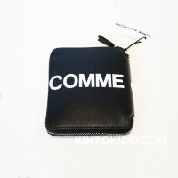 Wallet COMME des GARCONS HUGE LOGO 二つ折りZIP財布 黒 COW HIDE  CdG-8Z-T021-051-1<img class='new_mark_img2' src='//img.shop-pro.jp/img/new/icons15.gif' style='border:none;display:inline;margin:0px;padding:0px;width:auto;' />