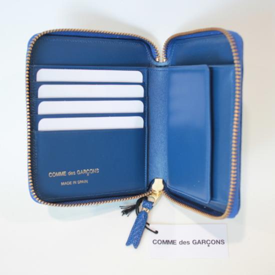 コムデギャルソンの財布 CdG-8F-D210-051-4