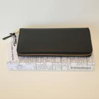 【ユニセックス】 Wallet COMME des GARCONS 長財布二つ折りZIP財布 黒 Classic Leather Line