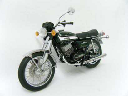 ミニチャンプス 1/12 YAMAHA RD350 1973 グリーンメタリック