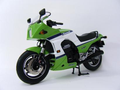 WIT'S 1/12 Kawasaki GPZ 900R Ninja ライムグリーン×ポーラホワイト