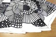 シイルトラプータルハ(SIIRTOLAPUUTARHA)ホワイト/ブラック コットンファブリック(50cm)マリメッコ(marimekko)