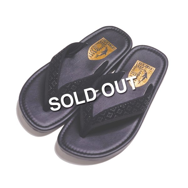 <img class='new_mark_img1' src='https://img.shop-pro.jp/img/new/icons5.gif' style='border:none;display:inline;margin:0px;padding:0px;width:auto;' />HighLife / KYO Sandal - PVC -