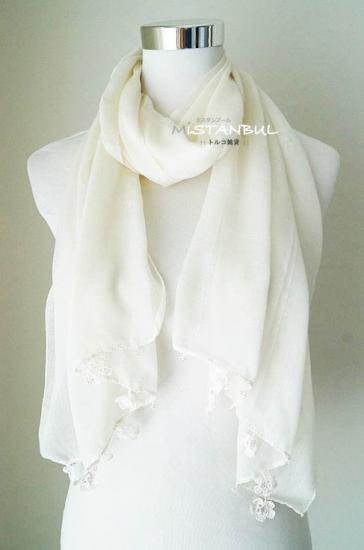 トゥーオヤスカーフ☆ホワイトクリーム