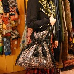 【murakado】ショルダー巾着フリンジバッグ ゴリラ柄 OTOUSAN|shoulder kinchaku fringe bag [DW20-258]【レターパックプラス可】
