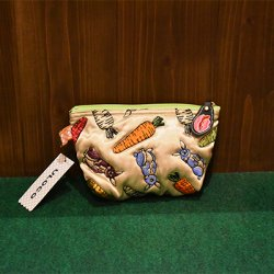 【ULOCO】ピーターキャロットポーチ(金) Uloco-peter pouch kin 【クリックポスト可】<img class='new_mark_img2' src='https://img.shop-pro.jp/img/new/icons1.gif' style='border:none;display:inline;margin:0px;padding:0px;width:auto;' />