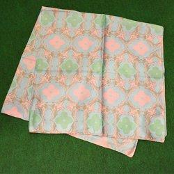 洗うほどに柔らかに巻きやすい!【makumo】スカーフ コウモリ柄・水色×ピンク クリックポスト可