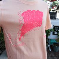 <img class='new_mark_img1' src='https://img.shop-pro.jp/img/new/icons1.gif' style='border:none;display:inline;margin:0px;padding:0px;width:auto;' />【MURAKADO】あばれ富士 Tシャツ・オレンジ nionookami (OR) | Tシャツ [DW26- 014]【クリックポスト可】