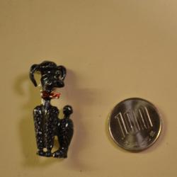アメリカ買い付け ブローチ 黒い犬  FC−406 【クリックポスト可】