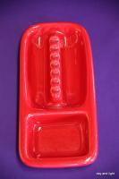 red ashtray:陶器製の赤い灰皿