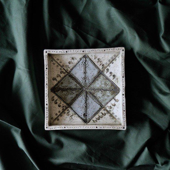 【P.O.R 価格はお問い合わせください】Rut Bryk  Relief  / ルート・ブリュック  レリーフ(白×水色・W17cm)