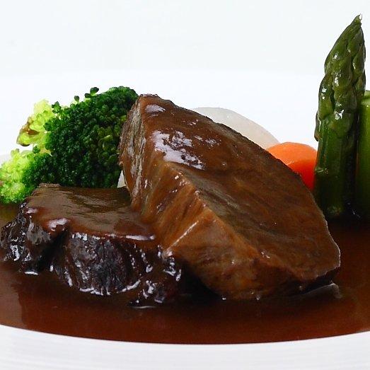 国産牛 ほほ肉のトロトロ赤ワイン煮込み