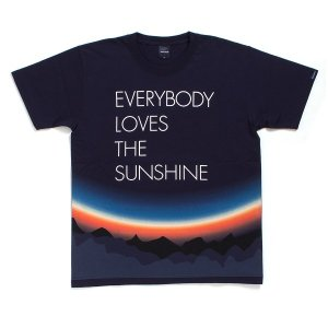 "【APPLEBUM】APPLEBUM × ROY AYERS ""EVERYBODY LOVES THE SUNSHINE"" T-SHIRT<img class='new_mark_img2' src='//img.shop-pro.jp/img/new/icons5.gif' style='border:none;display:inline;margin:0px;padding:0px;width:auto;' />"