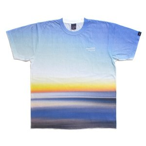 "【APPLEBUM】""SUNRISE"" T-SHIRT<img class='new_mark_img2' src='//img.shop-pro.jp/img/new/icons5.gif' style='border:none;display:inline;margin:0px;padding:0px;width:auto;' />"