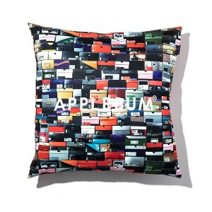 "【APPLEBUM】""K.B.A.S."" CUSHION<img class='new_mark_img2' src='//img.shop-pro.jp/img/new/icons5.gif' style='border:none;display:inline;margin:0px;padding:0px;width:auto;' />"