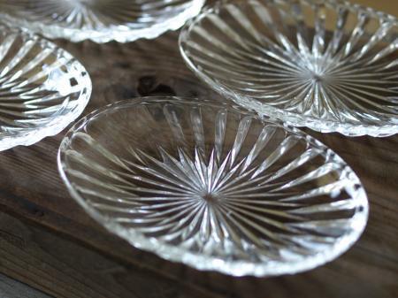 レトロなガラス平皿
