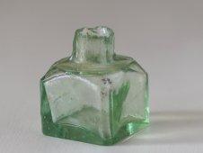 オイルランプのガラス瓶(緑)