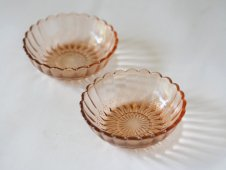 輪花縁ガラスの器