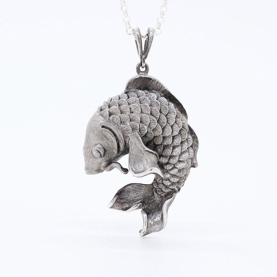 鯉のペンダント