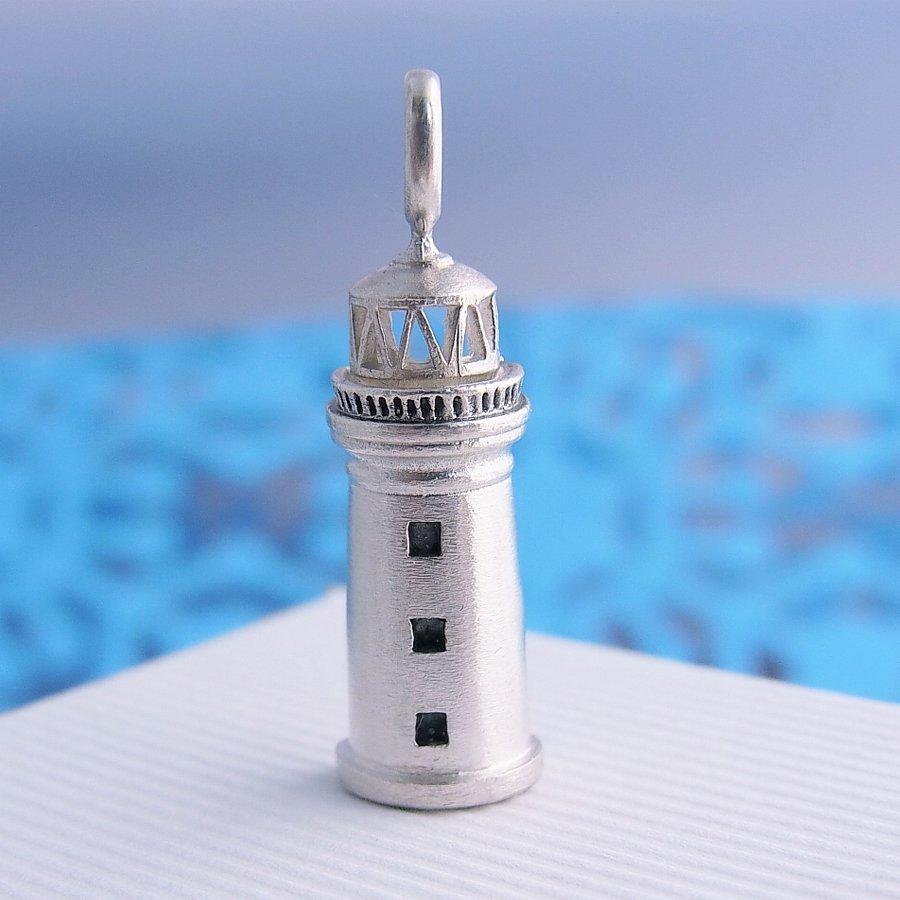 灯台のペンダント