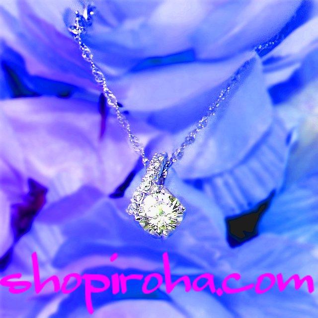 スターシャインRYUSEIネックレス・流星の輝きシンガポールチェーンに大粒のCZダイヤと銀のリボンにちりばめたCZダイヤが華麗に輝く光が誘う素敵なネックレス