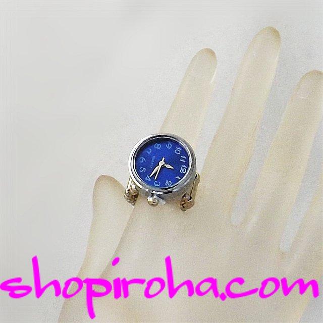 指輪のトップに時計とパヴェを付けはずしできる「指輪と時計」です。