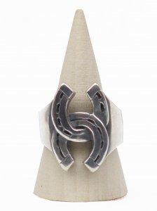 No.4// W Horseshoe Ring.