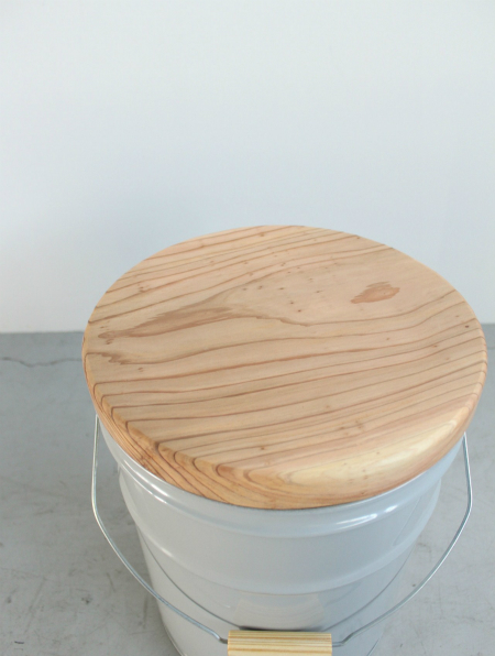 CAN STOOL