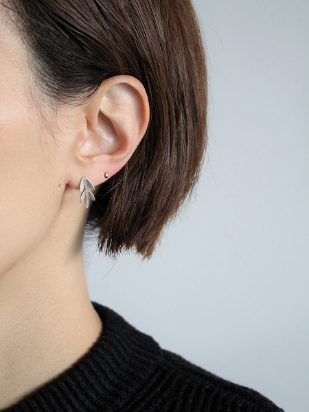 SINI KOLARI Varjo earrings S (stud eerring / pierce)