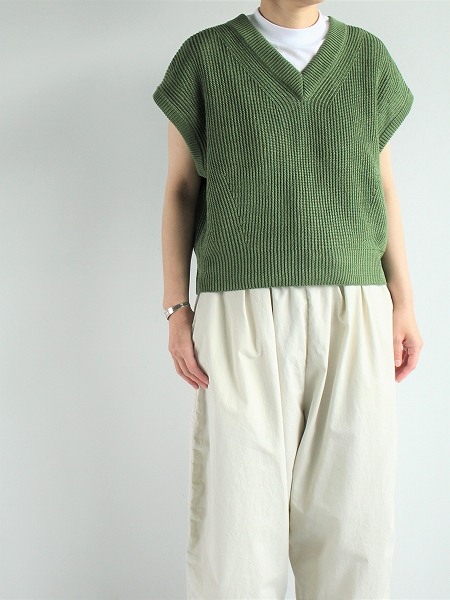 unfil / french linen ribbed-knit sleeveless top