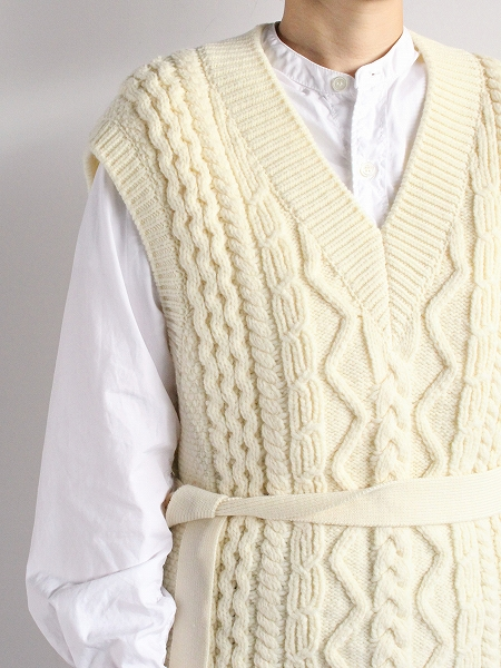 unfil french merino cable-knit vest