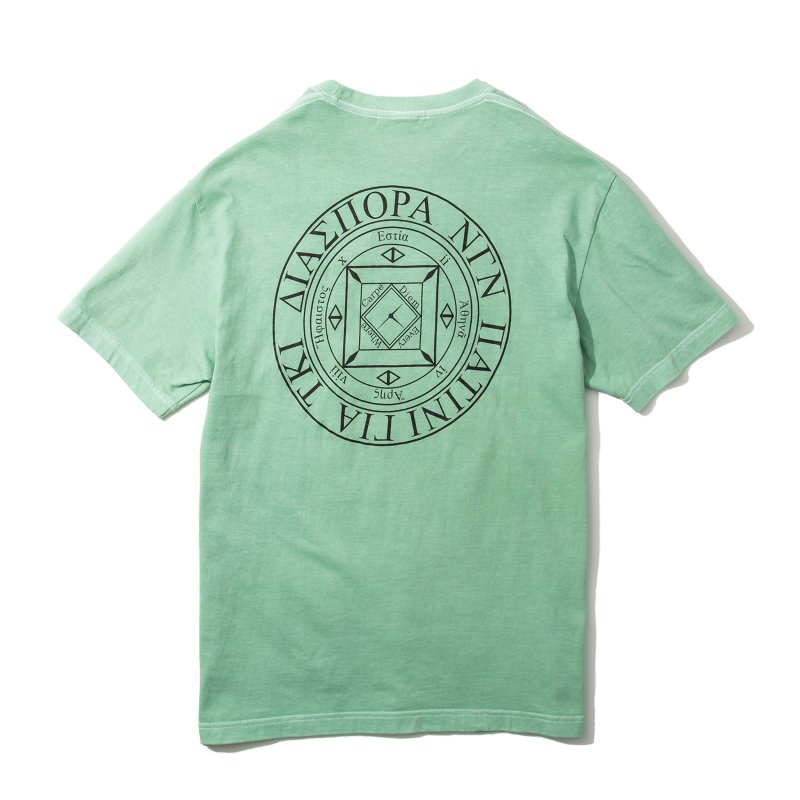 <img class='new_mark_img1' src='https://img.shop-pro.jp/img/new/icons5.gif' style='border:none;display:inline;margin:0px;padding:0px;width:auto;' />(Diaspora Skateboards) Dyed Magic CIrcle Tee - Melon