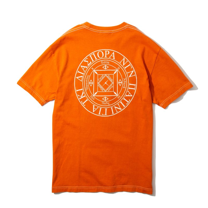 <img class='new_mark_img1' src='https://img.shop-pro.jp/img/new/icons5.gif' style='border:none;display:inline;margin:0px;padding:0px;width:auto;' />(Diaspora Skateboards) Dyed Magic CIrcle Tee - Orange