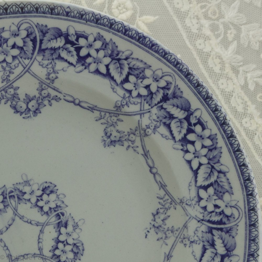 BEST L.P.&Co シャビイなパープル&ホワイト 野の花のガーランド デザートプレート C 1850年頃