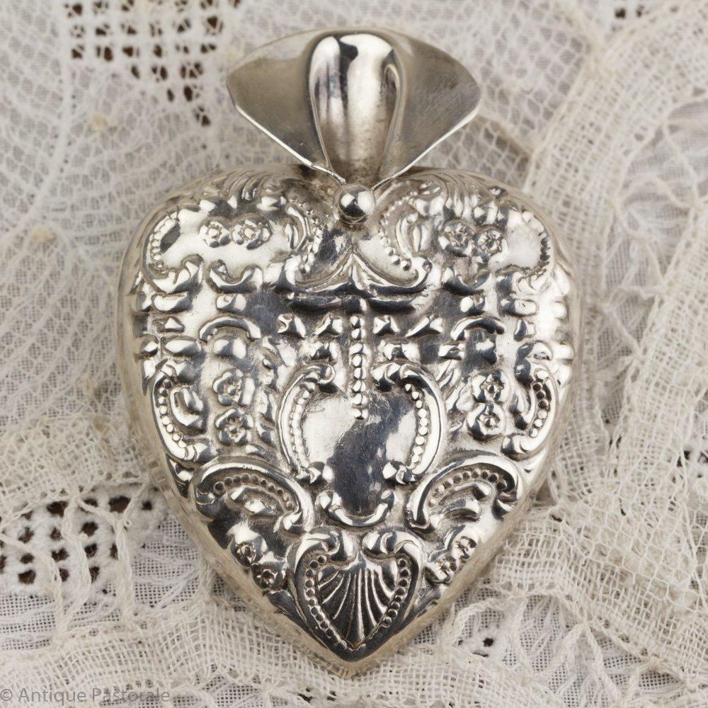 ビンテージ 純銀 ハート型のフラワーホルダーブローチ
