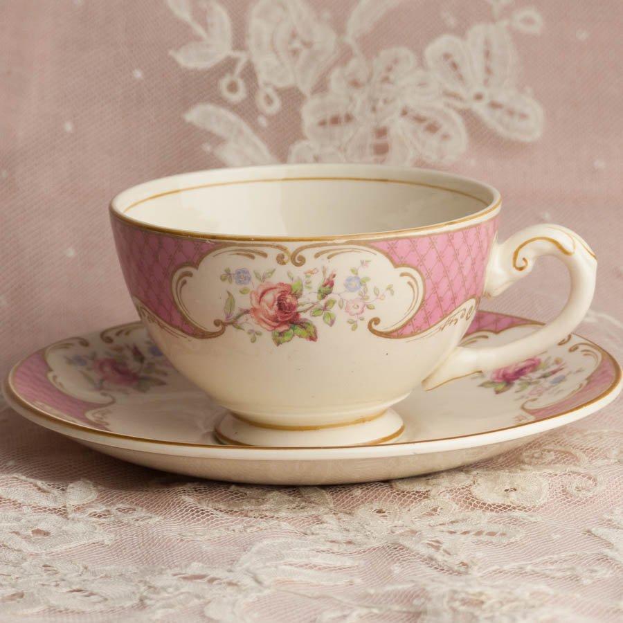 イギリス ビンテージ ミヨット ピンクの格子とピンクの薔薇 カップ&ソーサー