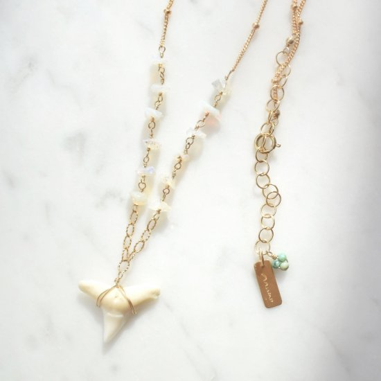 〈Shark tooth long necklace〉Opal